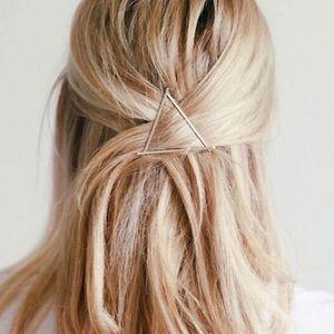 🎉 Triangle Hair Clip Accessory